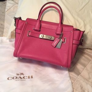 Coach Swagger 27 leather purse #34816, pink, EUC